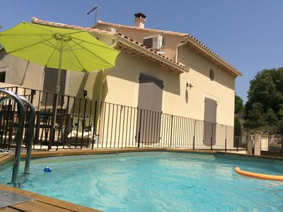 Photo for Pleasant villa at the foot of Ventoux with pool, near a lake
