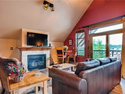 Photo for Vaulted ceilings, views of town, hiking/biking trails close by