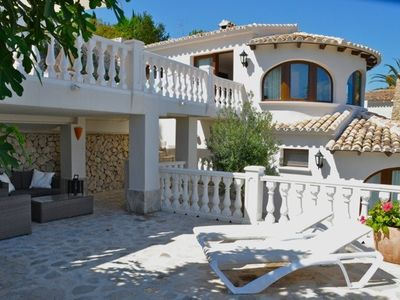 Photo for Luxury villa with private pool, terraces and fantastic sea views
