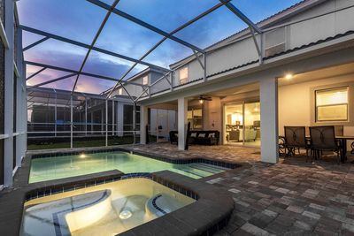 Attirant Royal Estate W/Games Room, Kids Bedroom, Movie Room,Screened In Private  Pool/Spa   Champions Gate