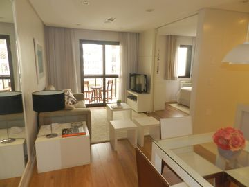 1 bedroom flat with full services and prime location