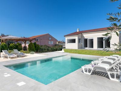 Photo for Brand new house with swimming pool,  two sleeping rooms,  up to 6 people.