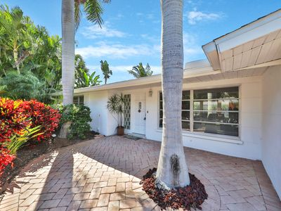 Photo for Dog-friendly, canal front home - close to the beach!