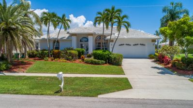 Photo for Live the Luxury Life in this Beautiful Island Home!