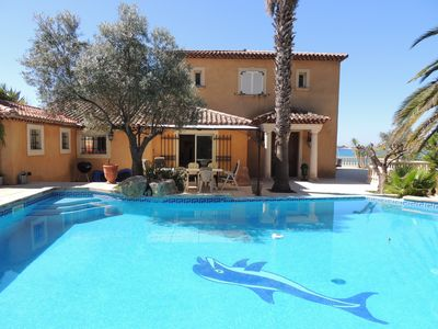 Photo for Seaside villa with panoramic views over the bay of Bandol