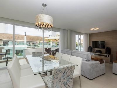 Photo for Penthouse 3 sleeps 6 people Condominium with Heated Pool - Central Location Pertinho do Mar