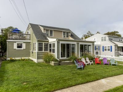 Photo for Seaside cottage,  one Block to Beach!  private roof deck!