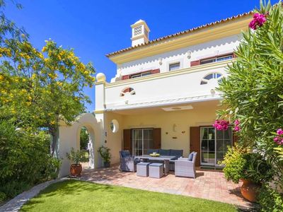Photo for 3 bedroom Villa, sleeps 6 in Quinta do Lago with Air Con and WiFi