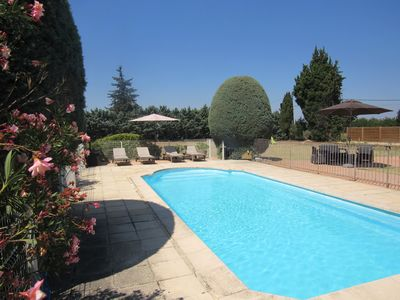 Photo for Villa in the countryside of Luberon with private pool & large garden