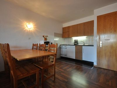 Photo for 3*, 1-bedroom apartment for 6 people next to the cable car, near the center of the resort. Bright li