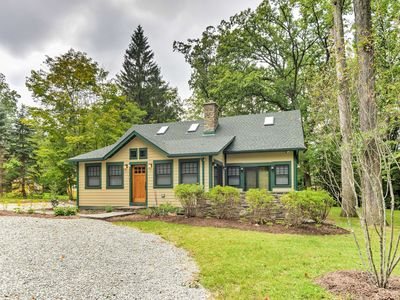 Photo for Sugar Berry-Remodeled Laughlintown Craftsman Home!