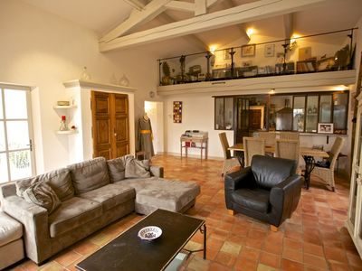Photo for Lovely villa for a quiet holiday in Roussillon in the Luberon