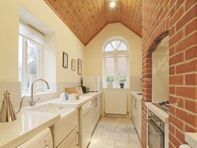 Photo for The Lookout - Three Bedroom House, Sleeps 6