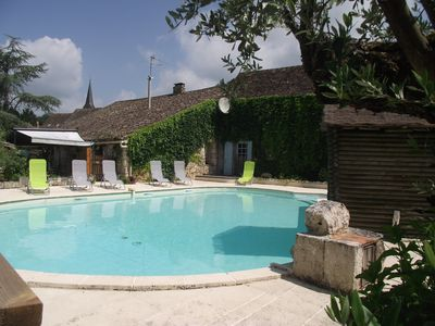Photo for Perigordian house of full foot with swimming pool (8 to 12 people)