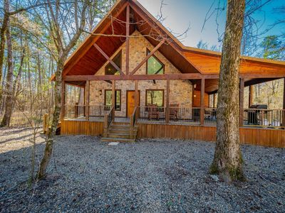 Photo for Sitting on a spacious corner property, Stevens Hideaway has ample parking for bo