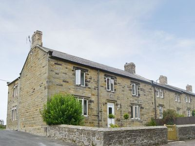 Photo for 4 bedroom property in Warkworth. Pet friendly.