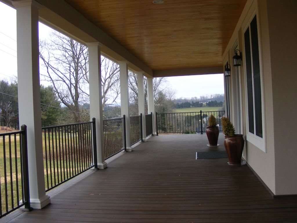 Upscale Dream Home Rental Overlooking Lexington, VA Golf and Country Club