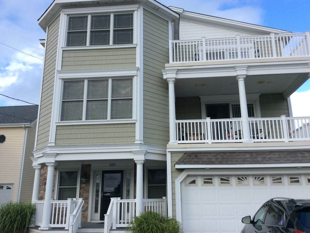 Multi family luxury beach house homeaway for Multi family beach house rentals