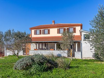 Photo for Apartment KAPORALIN  in Pula/Banjole, Istria - 10 persons, 4 bedrooms