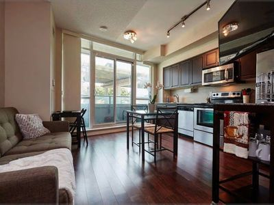 Photo for Waterfront District - 1 BR + Pool / Gym + Sofabed