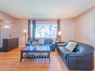 Photo for 6 Bedrooms House Near U of C and CTrain @ Charleswood NW