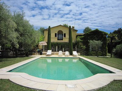 Gorgeous 5 bedroom villa with private pool and large garden