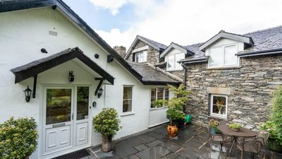 Photo for Courtyard Cottage - Two Bedroom House, Sleeps 4