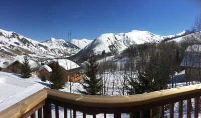 Photo for Beautiful south facing apartment, 50 m from the slopes, for 6 people