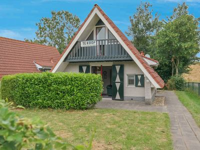 Photo for 6 pers. decent house on a typical Dutch gracht, National Park Lauwersmeer