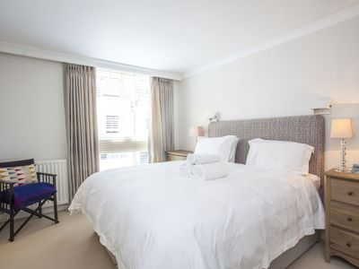 Photo for Stunning 2bed/2.5bath mews house in Chelsea SW1