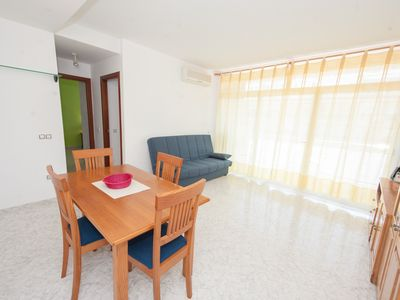 Photo for Apartment with Pool for 4 adults or families of 6 persons