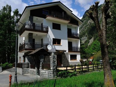Photo for Spacious apartment in a quiet area of Antey Saint André, near ski area.