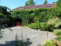 Tranquil setting within easy distance of many interesting towns, castles and abbeys