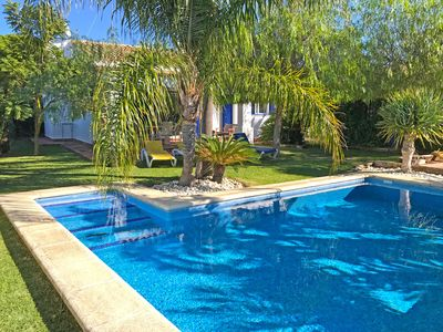 Photo for Beatiful villa with private swimming pool and tropical garden, Internet