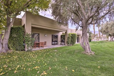 Escape to this charming Cathedral City vacation rental condo!