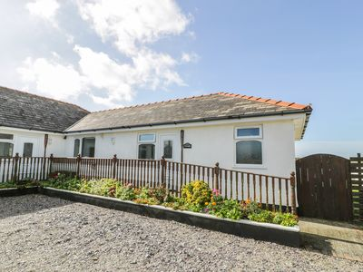 Photo for SEA SPRAY, country holiday cottage in Dinas Dinlle, Ref 966901