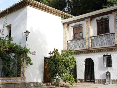 Photo for Finca Casa Alta in the countryside with magnificent views, private pool and garden.