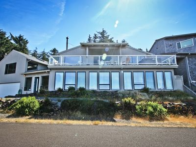 Photo for BELLA VISTA~MCA#1046~Expansive oceanviews from every room and hot tub