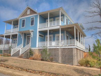 "Photo for Carlton Landing - ""Stars & Stripes"" Gorgeous Lake Views, Sleeps 14"