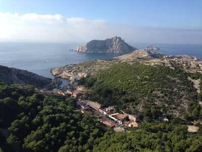 Photo for THE HOUSE OF CALANQUES, at the seaside, in the heart of the NATIONAL PARK OF CALANQUES