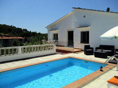 Photo for Balearic house with pool 10 km. from the beach of Blanes.