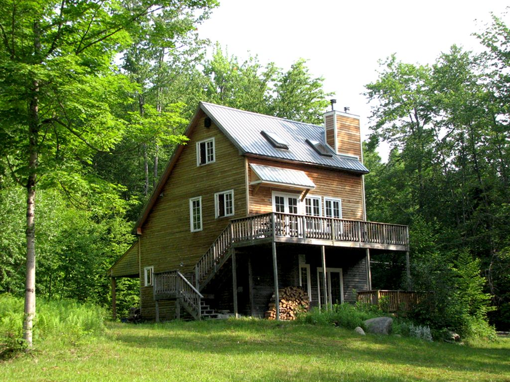 Beautiful vermont vacation cottage with a view near mt for Getaway cottage