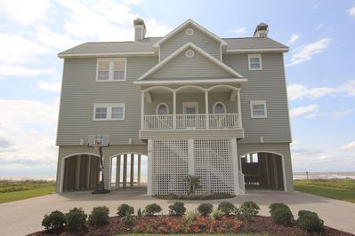 Swell Oceanfront Beautiful Beach House One Of A Kind Sleeps 17 Private Beach Hershey Beach Home Interior And Landscaping Elinuenasavecom