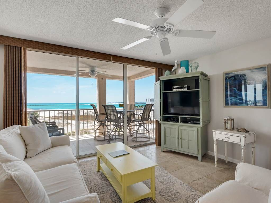 Magnolia Living Room Magnolia House 502 2 Br 2 Ba Condominium Homeaway Destin