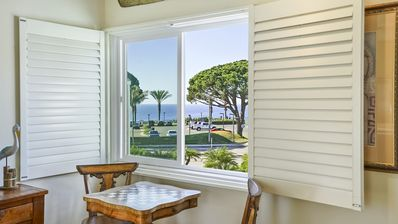 Photo for 🌊🌊🌊  OPEN OCT 22 🌊🌊🌊  FABULOUS OCEAN VIEW ON OCEAN SIDE OF PCH 🌊🌊�