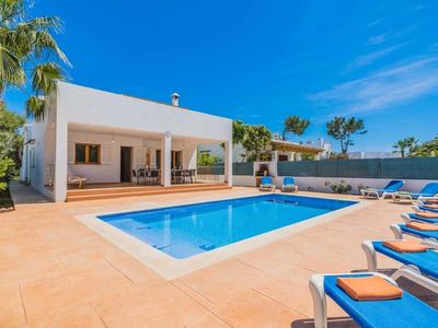 Photo for *** CALA D'OR VILLA *** 5 Bedrooms, 3 Bathrooms, Air Con, WiFi, Private Pool,BBQ