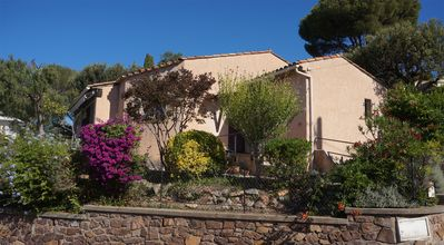 Photo for Villa Agay - Saint-Raphael, steps to beach and shops, quiet