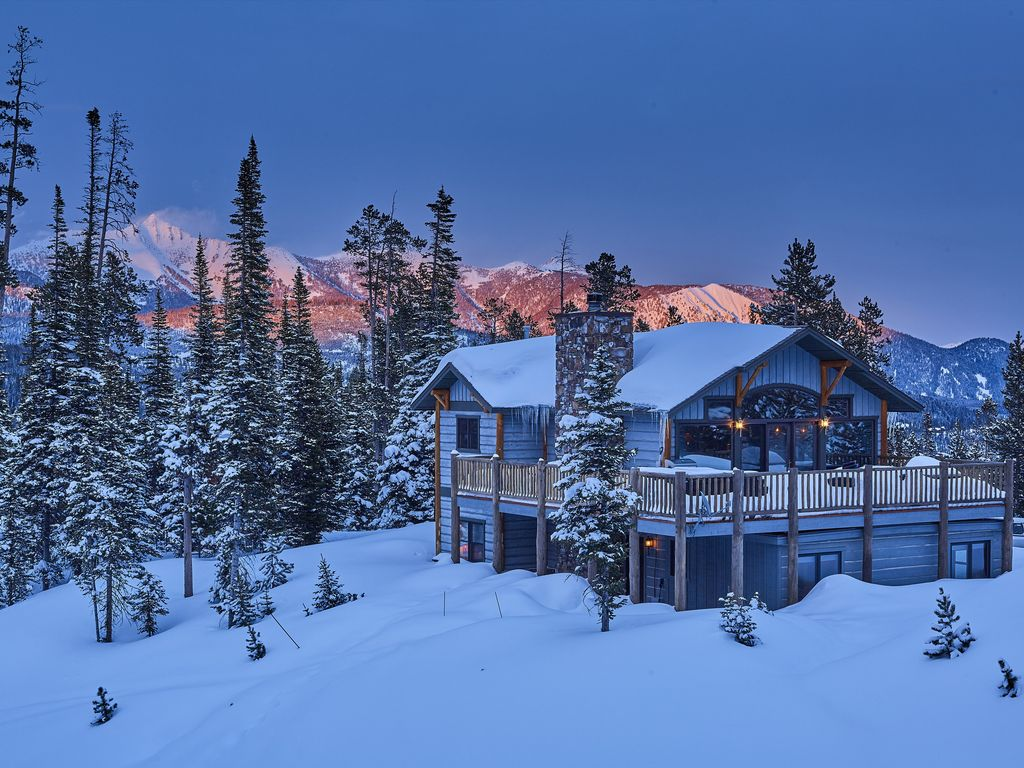 Diamond Hitch 37: Ski-in/ski-out lodge with stunning views, private ...