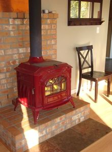 Beautiful wood stove for winter and the BEST Mt. Hood view!