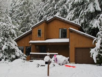 Photo for Spacious Mt. Hood lodge with private backyard hot tub and shared pool & sauna!